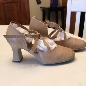 2d5ed6852d5f LaDuca Shoes - 3 inch LaDuca Soft Sole Elizabeth dance shoes